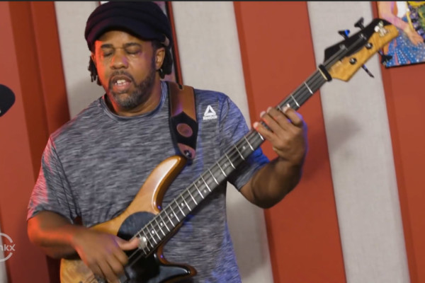 Victor Wooten: Funky D (Live)