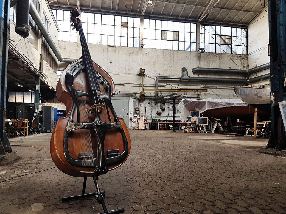 Swedish Harp Bass