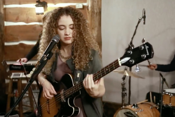 Tal Wilkenfeld: Paste Studio Live Session