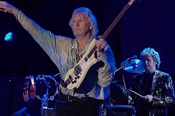 Yes: Long Distance Runaround / The Fish (Live, 2004)