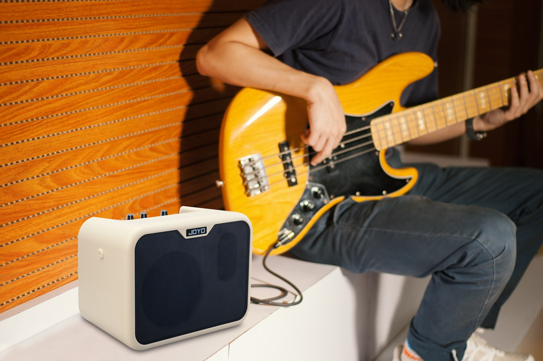 Joyo Audio MA-10B Portable Bass Amp in use