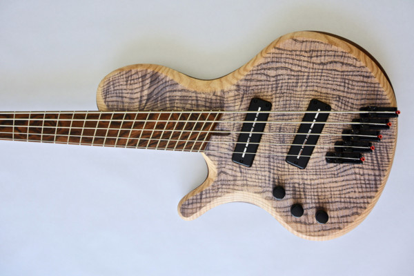 Bass of the Week: Lassila Guitars Antipode