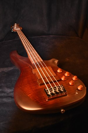 CP Thornton Guitars B-034 Bass