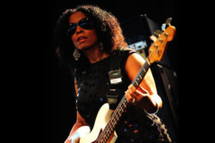 "Bass Transcription: Tracy Wormworth's Bass Line on ""Christmas Wrapping"" by The Waitresses"