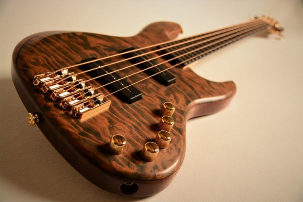 Bass of the Week: Lairat Basses Myra Bass 5