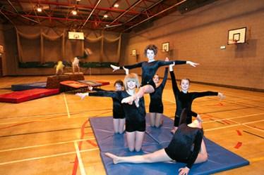 PE gymnastic 281