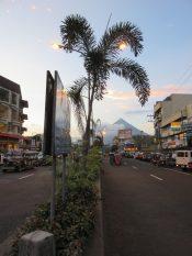 Legazpi et le volcan