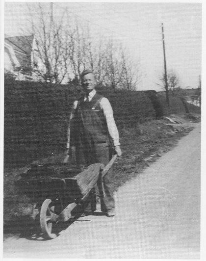 Dillan som parselldyrker under krigen. (Foto fra Historielagets arkiv.)