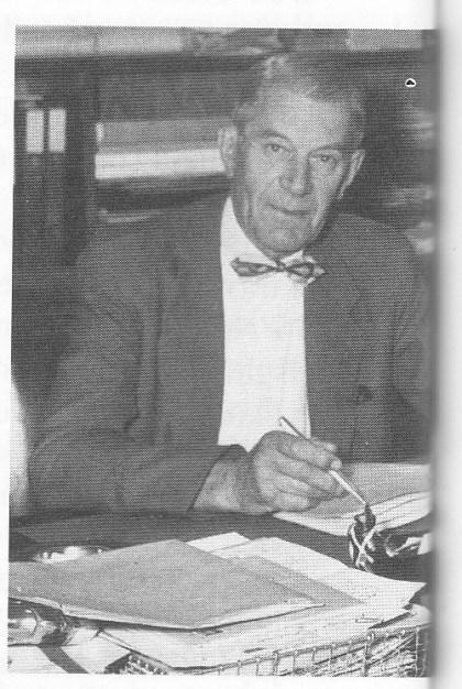 Bjarne Reidar Sårheim - ikke født i Jølster, men med røtter der -var autorisert bilsakkyndig i Tønsberg-distriktet fra 1927 til 1942