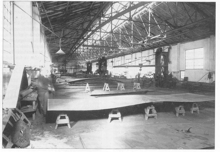 Fra plateverkstedet i skipsbyggeriet pa Kaldnes, ca. 1948. Foto utlånt fra Vestfold fylkesmuseum.