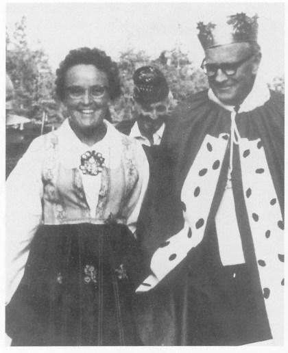 Kongen og dronningen av Verjø ca. 1978 - Jon og Molla. Foto utlånt av Gunnar E. Johnson.