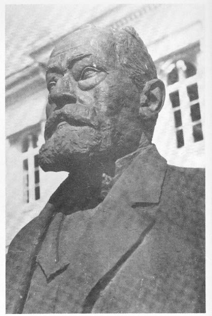Fylkesmann og statsminister Abraham Berge, død på Nøtterøy i 1936 (Byste laget av Carl E. Paulsen).