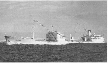 T/T Beaufort på prøvetur med 19 knops fart — Sjelden vare for tankskip. (Foto utlånt av Ragnar Aasland.)