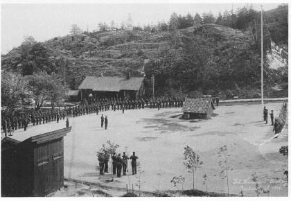 Den 9. juni 1905 kl. 1000 ble unionsflagget firt og det rene, nye splittflagget heist ved høytideligheter ved alle militæretablissementer og alle marinens fartøyer. Så også på Håøya der ob.lt. Lonnevig ledet høytideligheten.