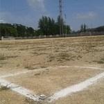 Districte anuncia que la gespa artificial pot arribar als camps del Canyelles i el Vallbona a finals
