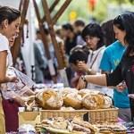 El comerç de Nou Barris surt a la plaça de Garrigó