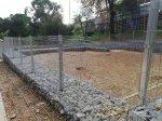 L'Ajuntament estudia les millores per a l'àrea de gossos del parc de la Guineueta