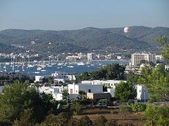 Imagen de la bahía de Sant Antoni.