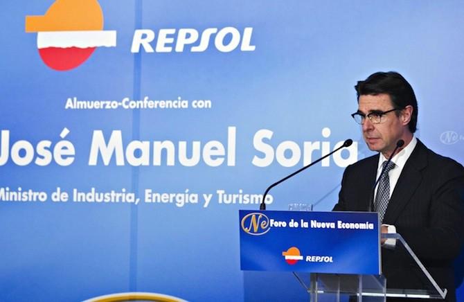 El Ministro Soria patrocinado por Repsol, o viceversa.
