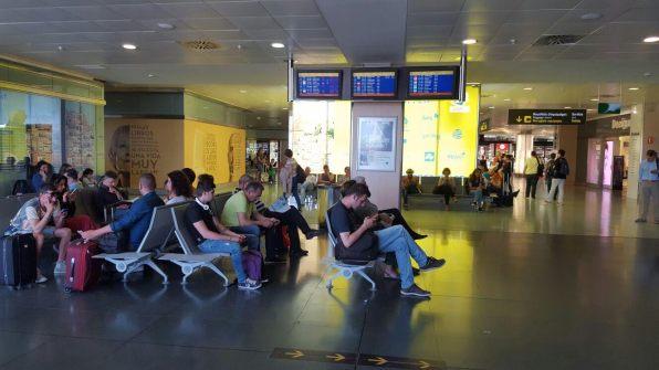 Imagen del interior del aeropuerto de Ibiza.