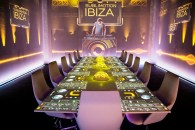El reconocido DJ en el interior del restaurante más caro del mundo.