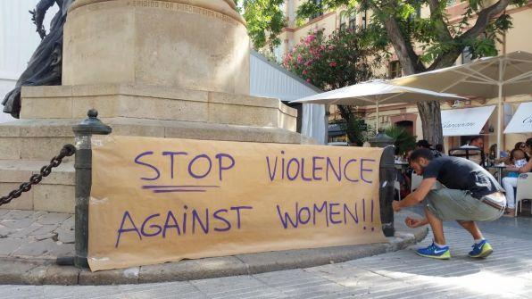 Pancarta contra la violencia de género