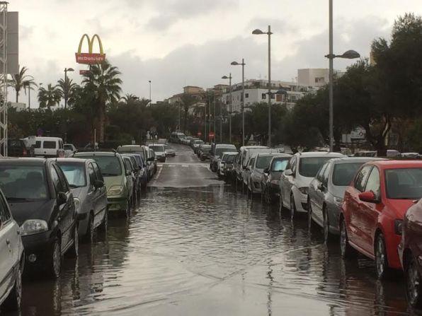 Una calle de ses Figueretes, anegada tras una tormenta