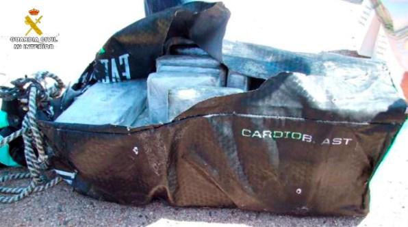 La operación se inició tras localizar en la costa de la Isla de Formentera sacos que portaban cocaína.