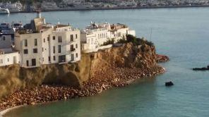 El acantilado de sa Penya tras las obras de consolidación y la eliminación del camino de acceso a la playa de Baix sa Penya.