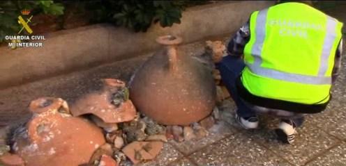 Las piezas arqueológicas expoliadas en yacimientos submarinos, recuperadas por la Guardia Civil.