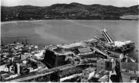 El puerto desde Dalt Vila. Década de 1950. Foto Viñets. Colección Nieves Planells Molina