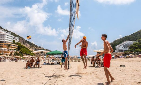 Los dos giuseppe en un partido calsificatorio. Ibiza Photo Story