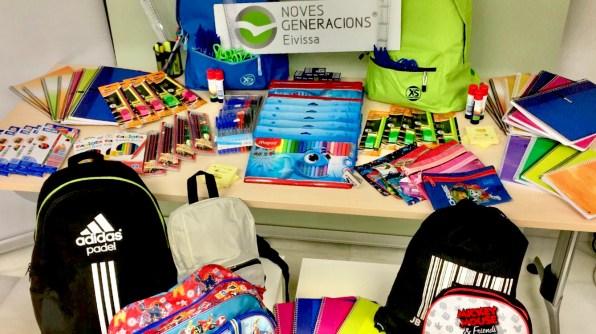 Material Escolar entregado por NNGG del PP a Cruz Roja.