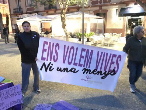 Concentración en Vara de Rey contra la violencia machista. Foto V. T.