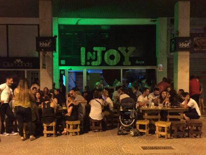 Terraza del bar In.Joy.
