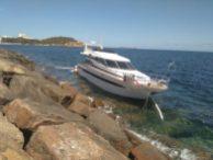 La embarcación encallada. Foto: 112 Balears.