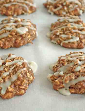 apple cinnamon oatmeal cookies, all lined up and ready to devour
