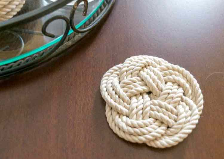 These woven rope coasters are perfect homemade Christmas gifts for someone who loves coastal decor