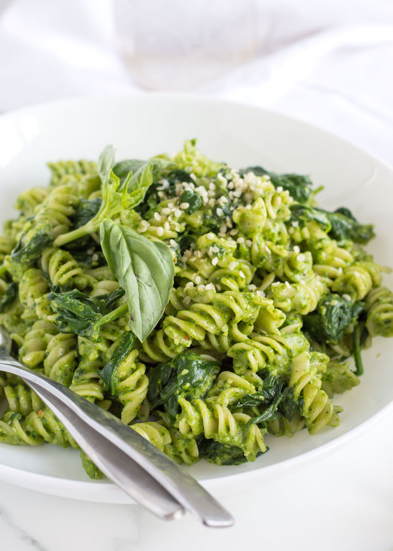 Simple and delicious Spinach Pesto Pasta with Basil and Goat Cheese   recipe  gluten free and vegetarian   easy to make pasta night dinner