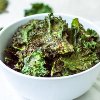 baked kale chips in bowl