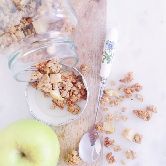 Apple Pie Healthy Homemade Granola Recipe by www.nourishyourglow.com