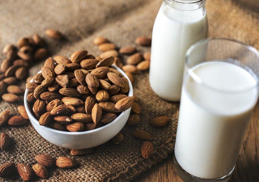 amandes et lait d'amande