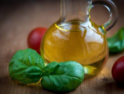 huile d'olive tomate et basilic