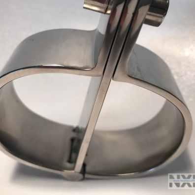 Test des menottes jointes en acier de la marque Kub - NXPL