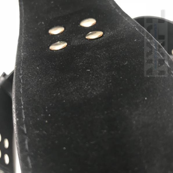 NXPL-menottes-cuisses-poignets-dildok-11
