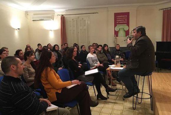 Reunió de voluntaris a Nova Acròpolis de Barcelona