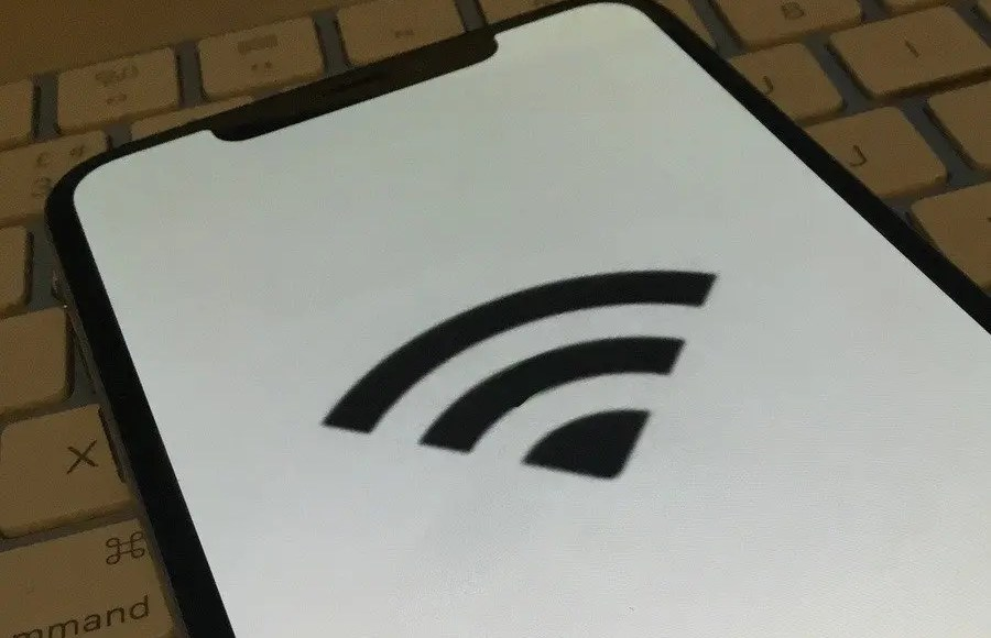 How to keep iPhone from repeatedly dropping Wi-Fi connections