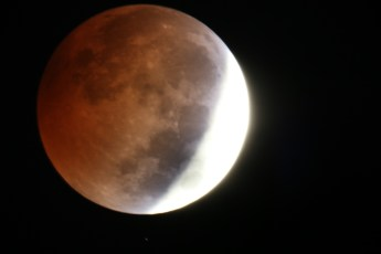 blood-moon-large2-db2d948804b9c2192c0794988b817fdeba18a98b