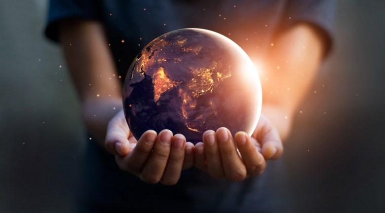 ziemia w rękach