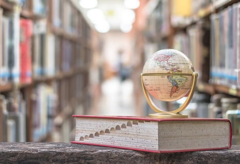globus na słowniku